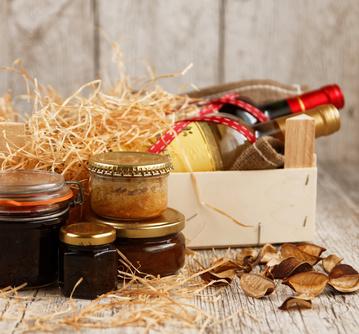 Coffret dgustation avec vins et produits gastronomiques